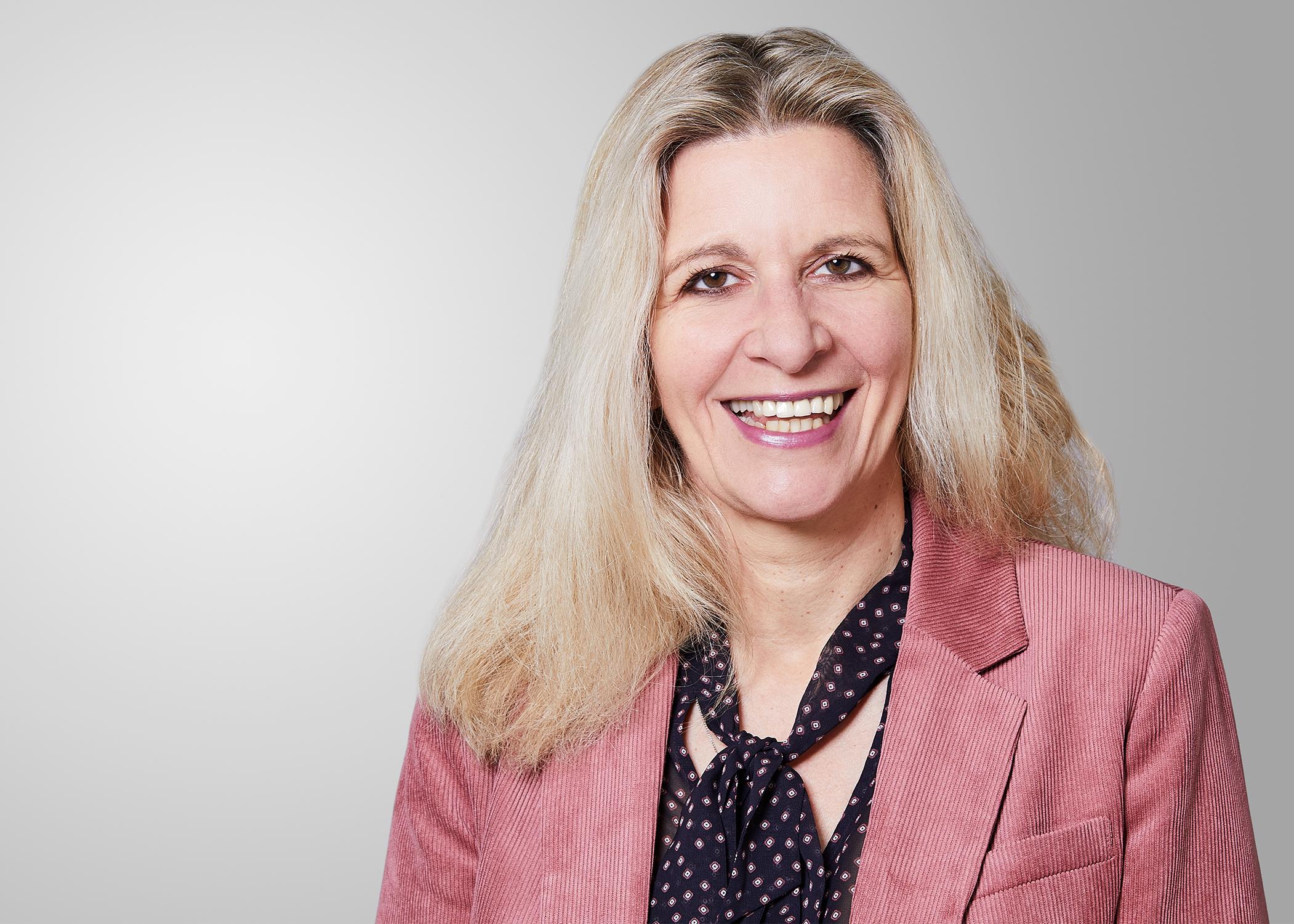 <h4>Ulrike Kühn</h4> <p>Sekretariat</p> <p>Rechnungs-, Angebots- & Vertragswesen</p> <p>0221 – 98 54 59 – 15</p>